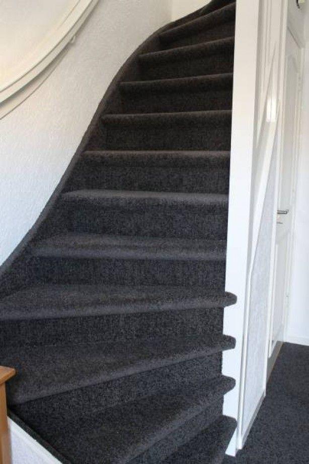 Wat een prachtige trap met vloerbedekking van Bebo