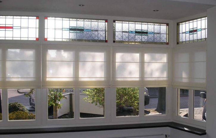 Leuk idee voor raamdecoratie met glas in lood ramen