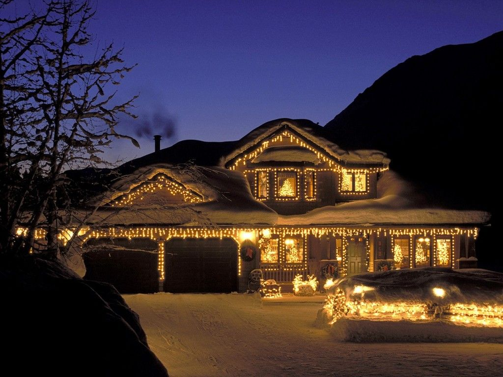 Decorate Your House For #Christmas Outside Holiday Ideas