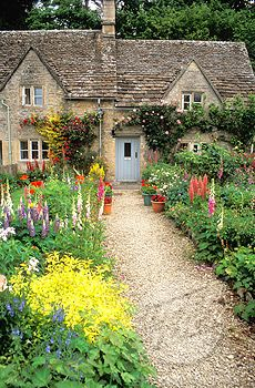 Luscious Loves Beautiful Houses And Gardens Part Landscapes Pinterest House  Landscaping Also Rh