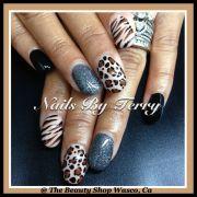 animal prints gel nails