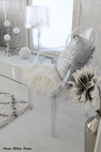 White & grey. Kartell Bourgie & Louis Ghost. Transparent