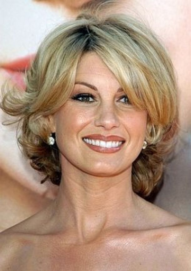 Medium Hairstyles For Women Over 50 Women Over 50 Shoulder