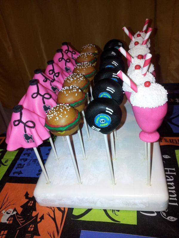 50 Themed Cake Pops
