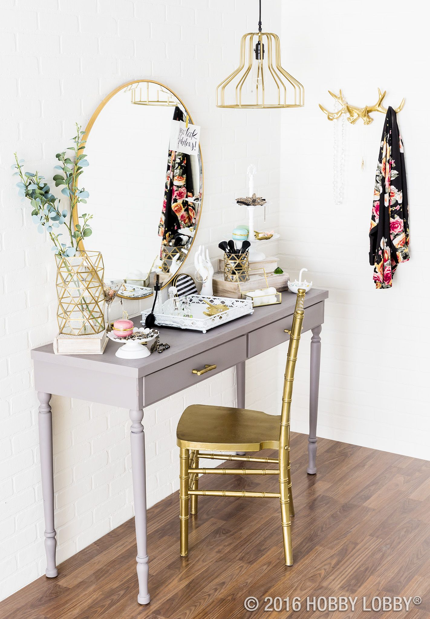Give your vanity boutiquey vibes with glamorous gold