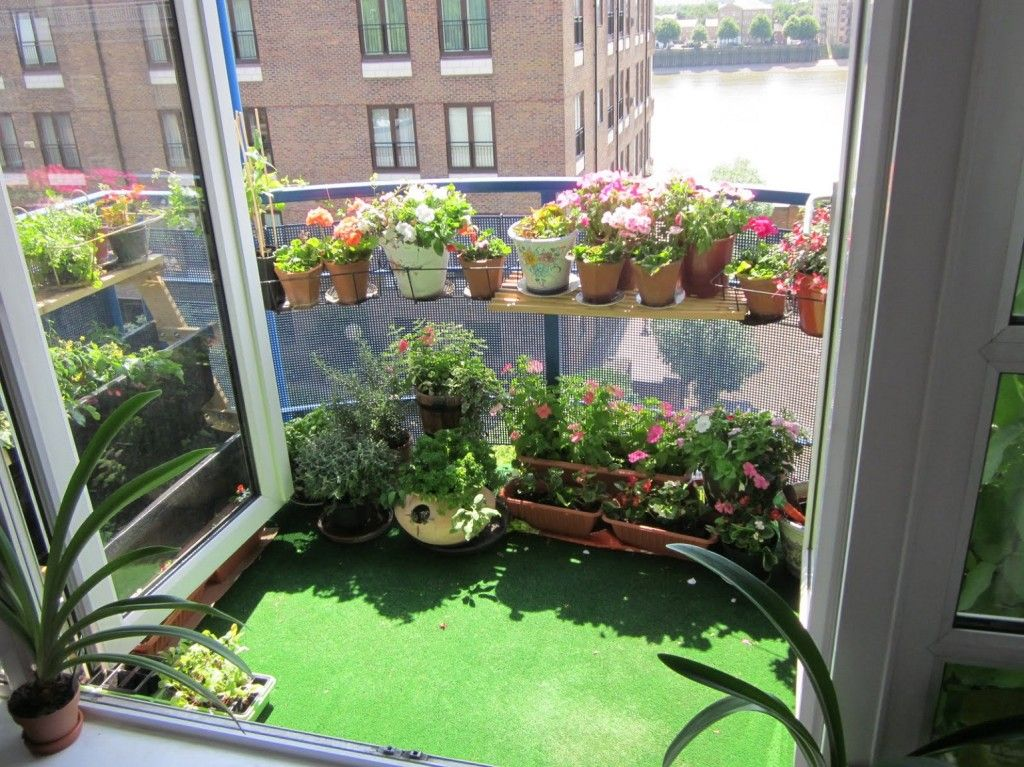 9 Best Small Apartment Patio Ideas On A Budget Deepnot