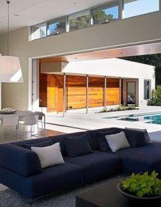 This modern  shaped single family residence designed by dumican mosey matarozzi pelsinger builders is located in menlo park california also moderna residencia en forma de construido alrededor un patio rh pinterest