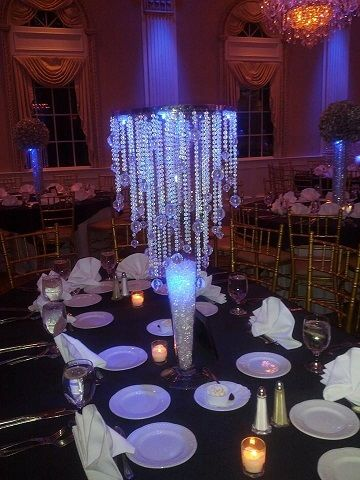 Amaze Your Guests With Amore S Affordable Chandelier Centerpiece Al Nj Weddings