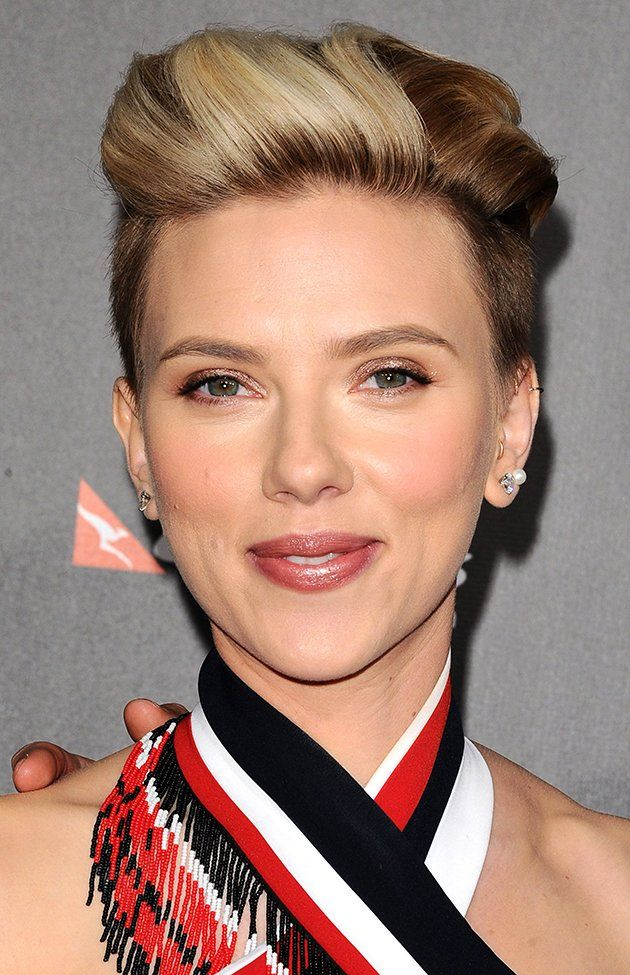 How To Recreate Scarlett Johansson's Edgy Red Carpet Hairstyle At