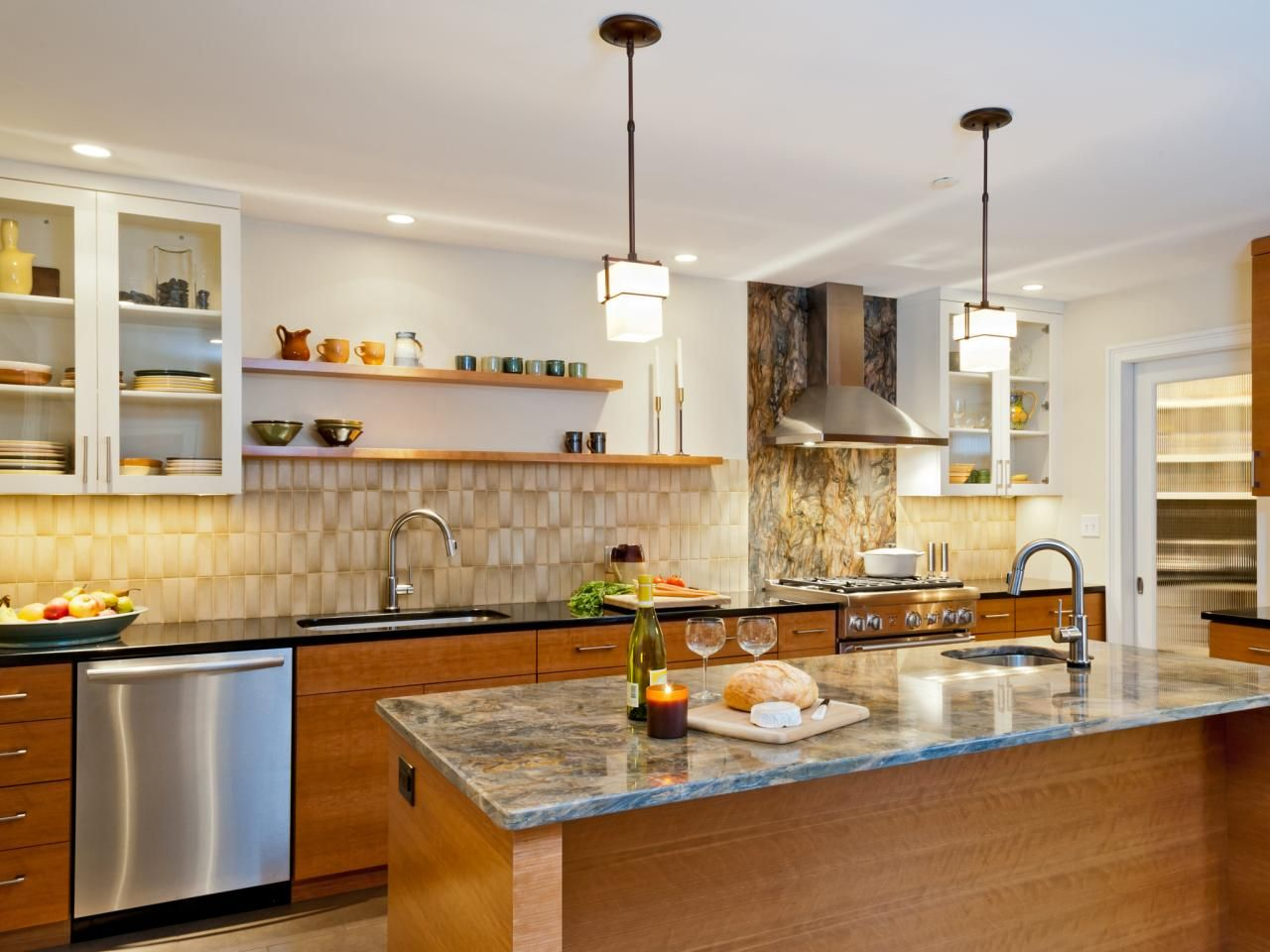 15+ Design Ideas For Kitchens Without Upper Cabinets