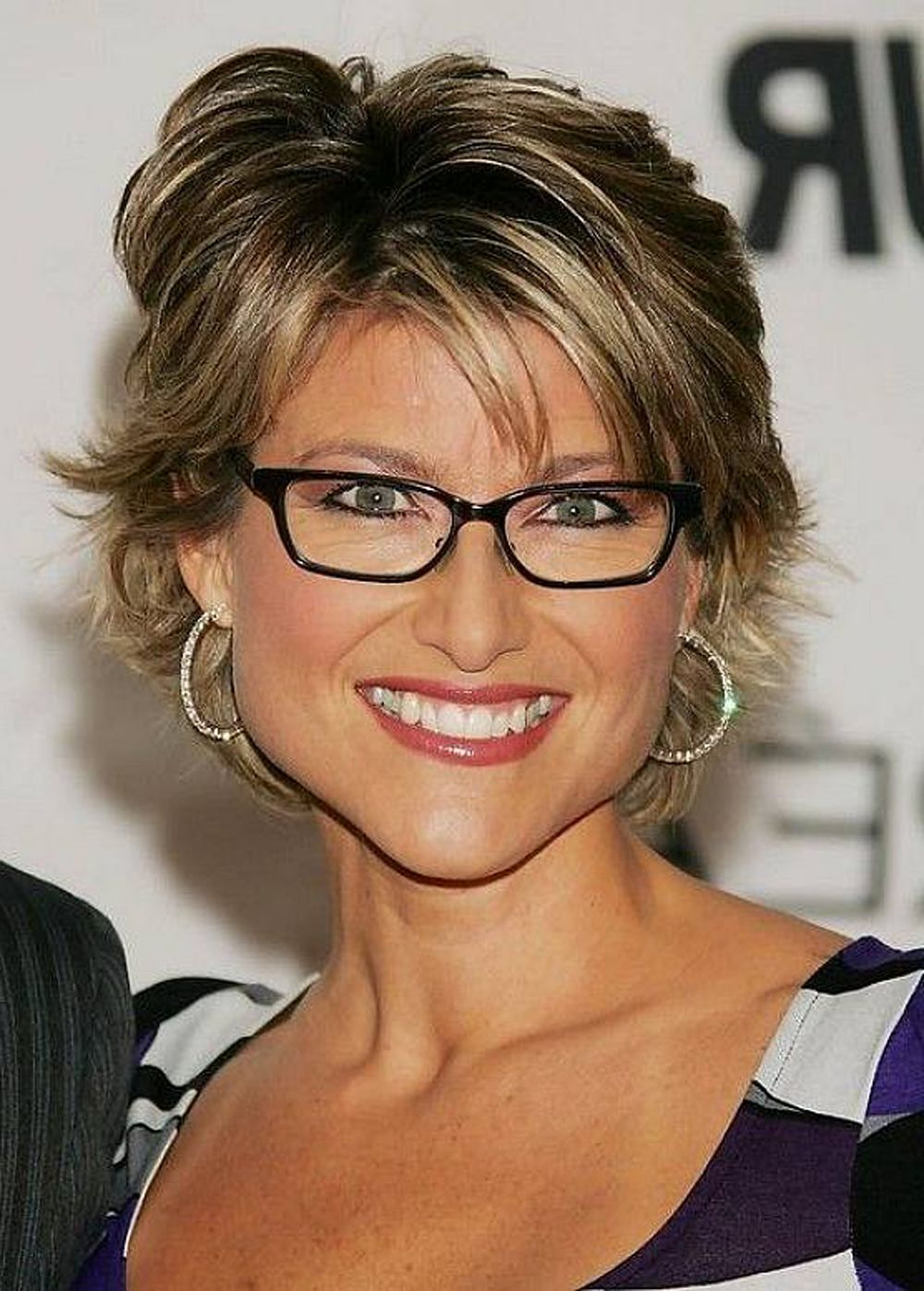 Best Short Haircuts For Women Over 50 Hairstyles To Try