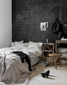 Room ideas how to use black chalkboard paint in the bedroom also captivating rh pinterest