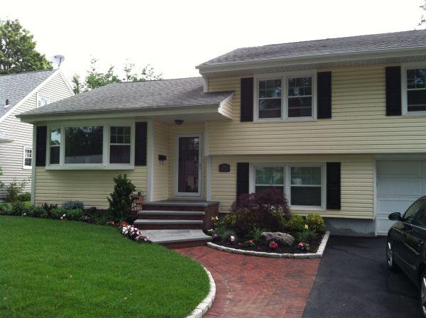 landscaping split level homes