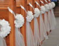 DIY Decorate Church Pews with Tulle for a Wedding ...
