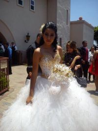 Gold & white Quince Dress | Mi Quince | Pinterest | White ...
