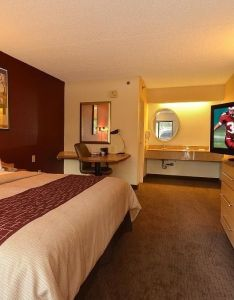 minutes  drive from hersheypark amusement park and miles the harrisburg international airport it features  reception free in room wi fi also red roof inn merrillville united states north rh pinterest