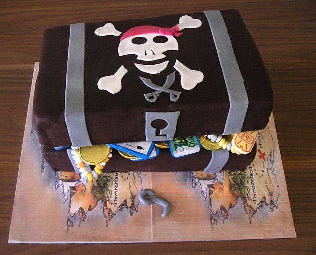Piraten Kuchen leckere Rezepte von Geburtstagskuchen und Torte in Form der Schatztruhe und