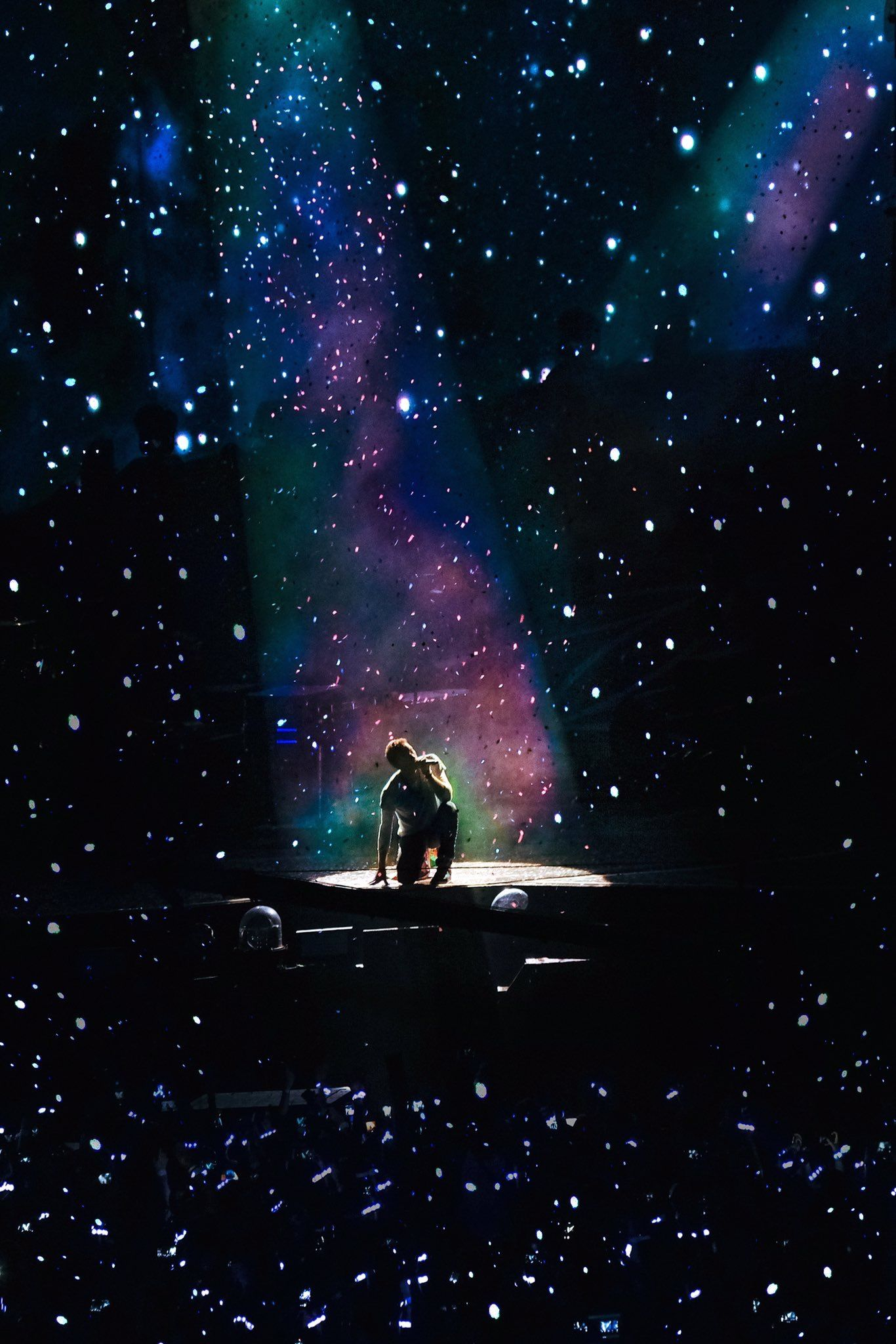 Bmth Wallpaper Iphone Chris Martin And A Sky Full Of Stars Xylobands Coldplay