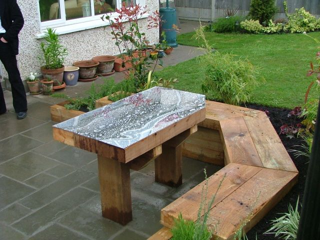 Small Garden Mirror Table And Built In Seating Garden