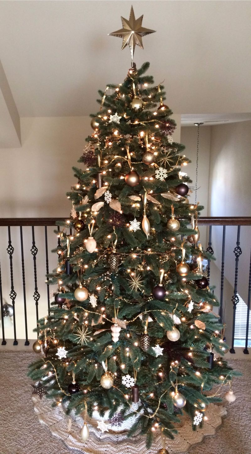Brown and silver christmas tree decorating ideas Brown and gold christmas tree