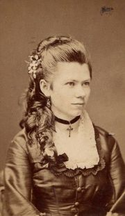 simple 1870s hairstyle tutorial