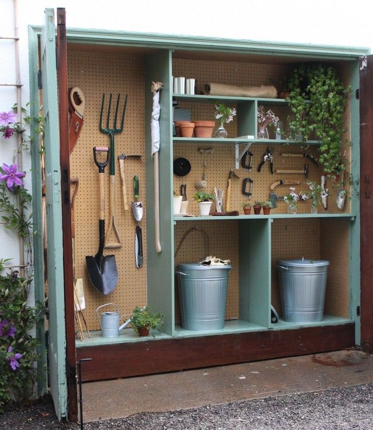 Tiny Potting Shed Michelle's Garage Gardenista The Yard
