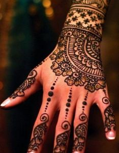 This monsoon shower decorate your hands with aromatic beautiful and quirky arabic mehndi designs whether it is  pre wedding function or festival also the best images about on pinterest henna tattoos rh uk