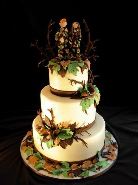 wedding decorations for hunters  Hunting Wedding Cake  Country Wedding Ideas  Wedding Ideas