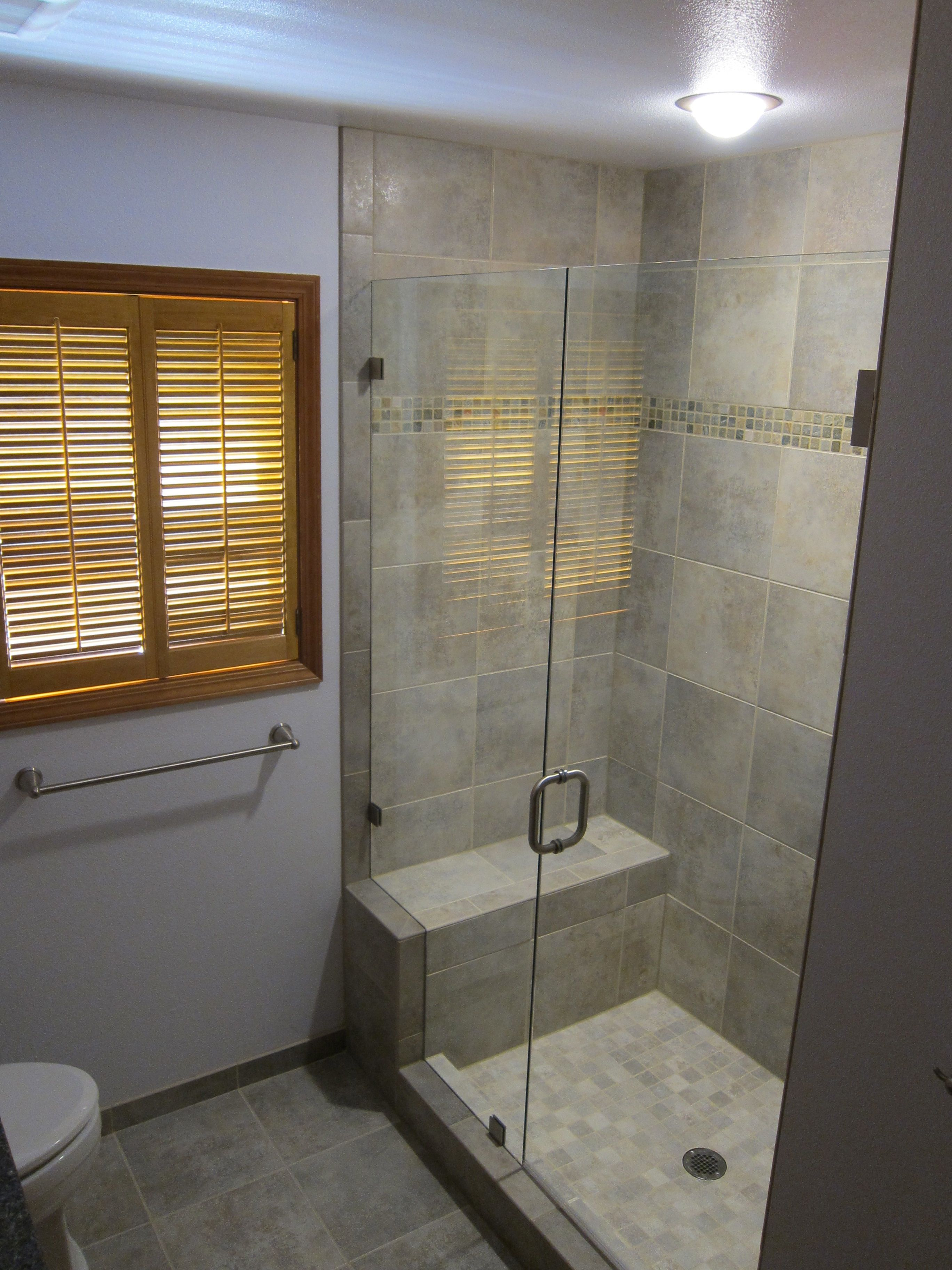 small bathrooms with walkin showers