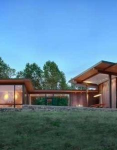 Contemporary us lake house defined by openness and transparency also rh pinterest