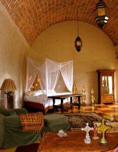 Bedroom sanctuary also chalet para en san miguel de allende mexico colonial rh pinterest