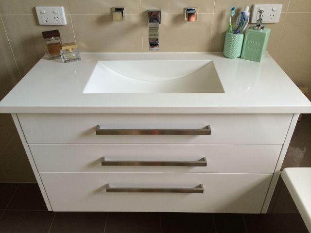 Floating vanity Top corian Drawers vial wrap polar white