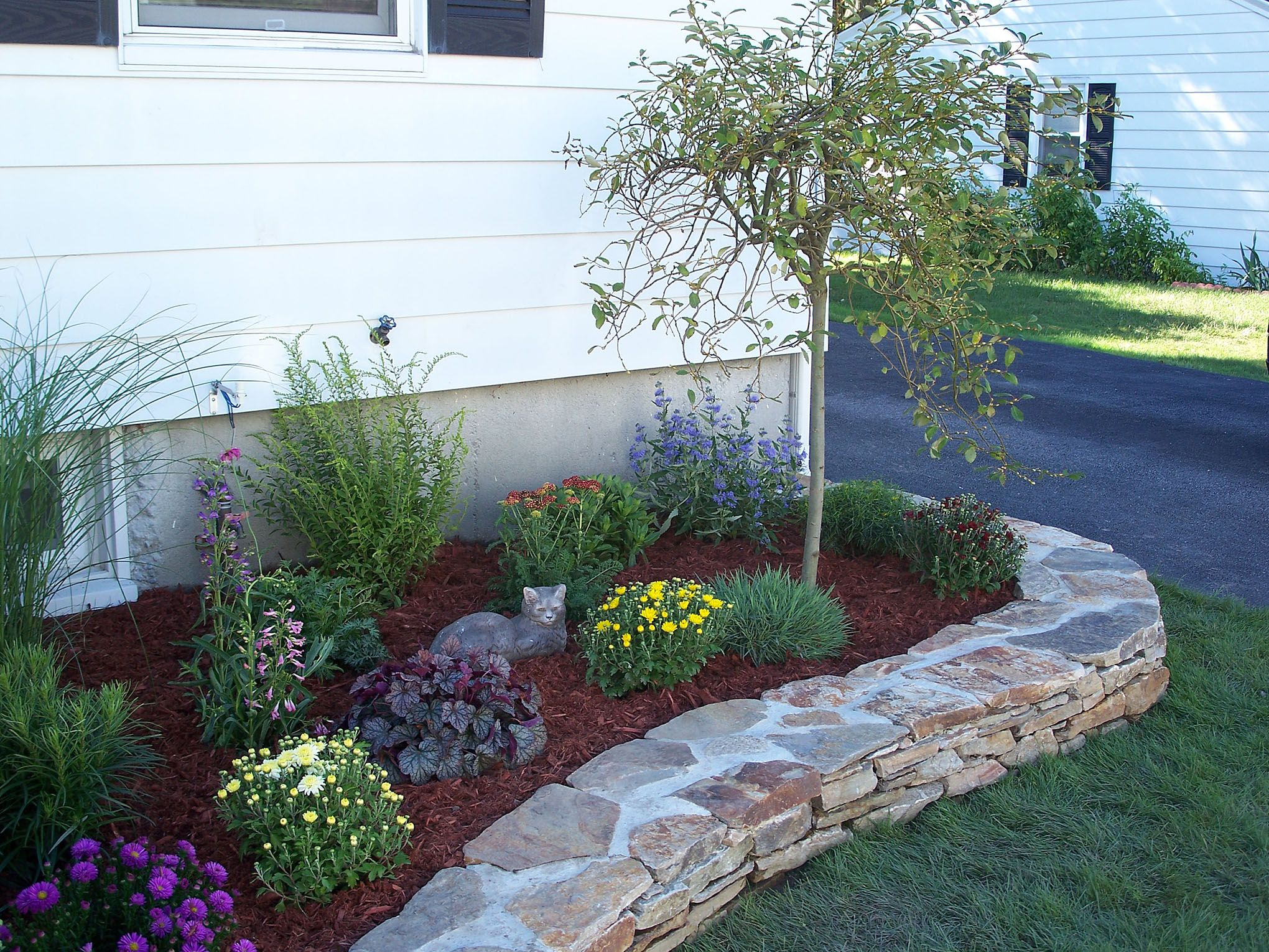 Top 3 Simple Flower Bed Landscaping Ideas Landscape Ideas