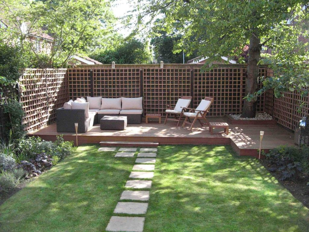Small Backyard Landscaping Ideas With Wood Fence And Outdoor
