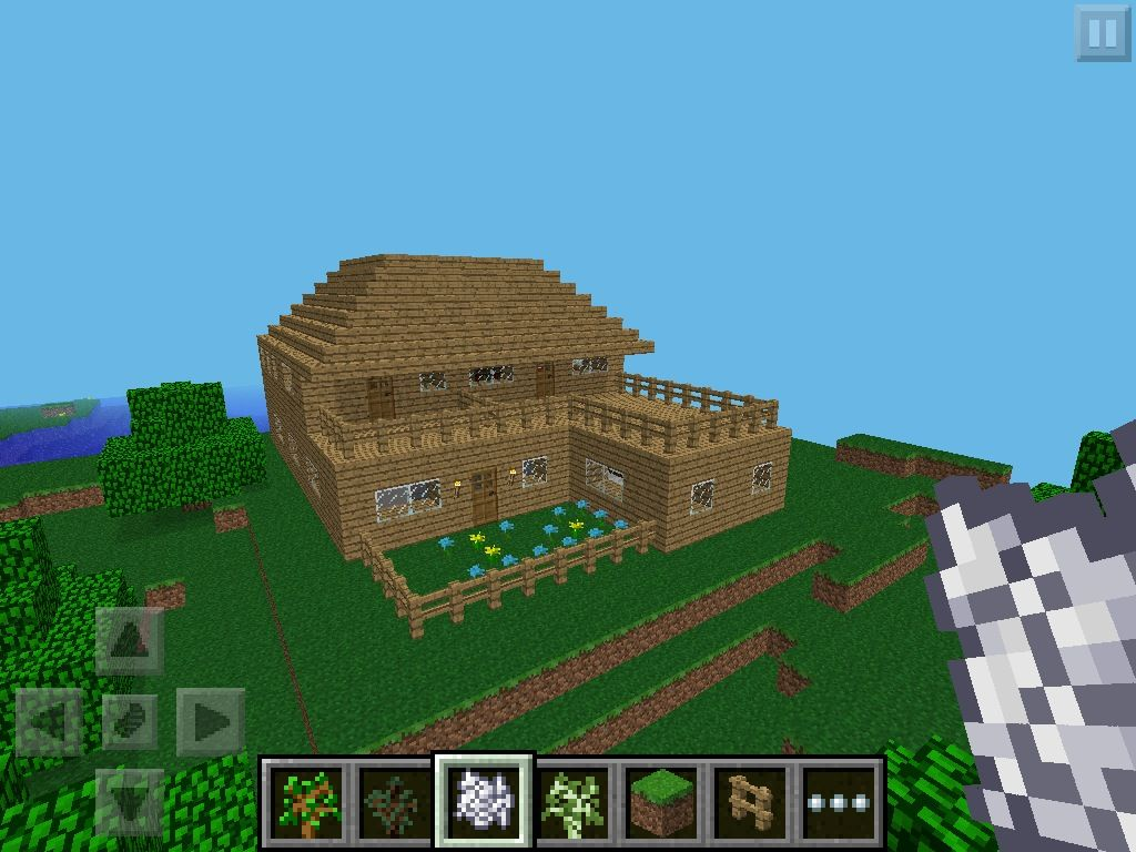 Amazing Minecraft Builds This House Has 3 Large Bedrooms A