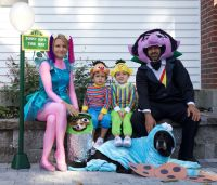 Halloween family costume Dog costumes Bert and Ernie ...