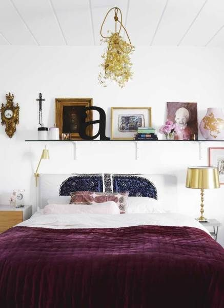 Wall decor shelf of treasures above bed also sweet dreams pinterest shelves rh