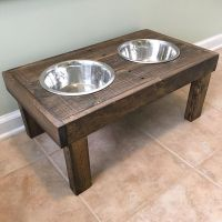 DIY Raised dog bowls / pet feeder - dog bowl holder ...