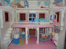 90s Fisher-Price Dream Doll House