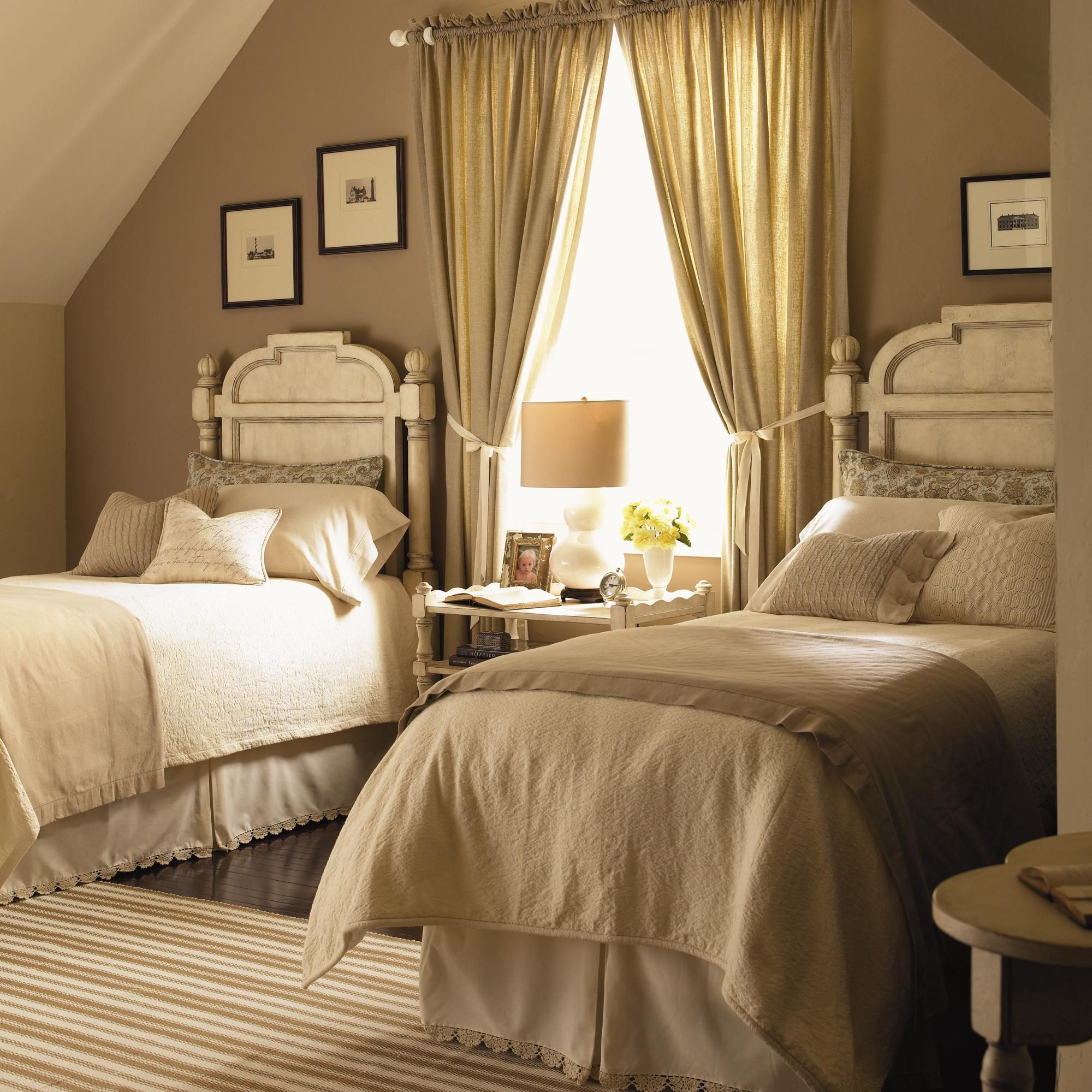 Twin Bedroom For More Traditional Home Ideas