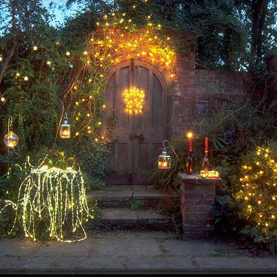 Outdoor Christmas Lighting Ideas Planters