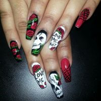 Halloween Halloween nail art Skulls Skull nail designs ...