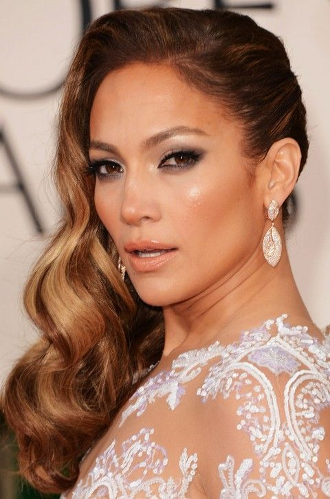 Jennifer Lopez Hairstyles Side Swept Long Curls For An Edgy Look