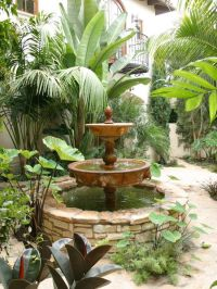 Spanish Style Home Design Idea: Stunning Garden Decor ...