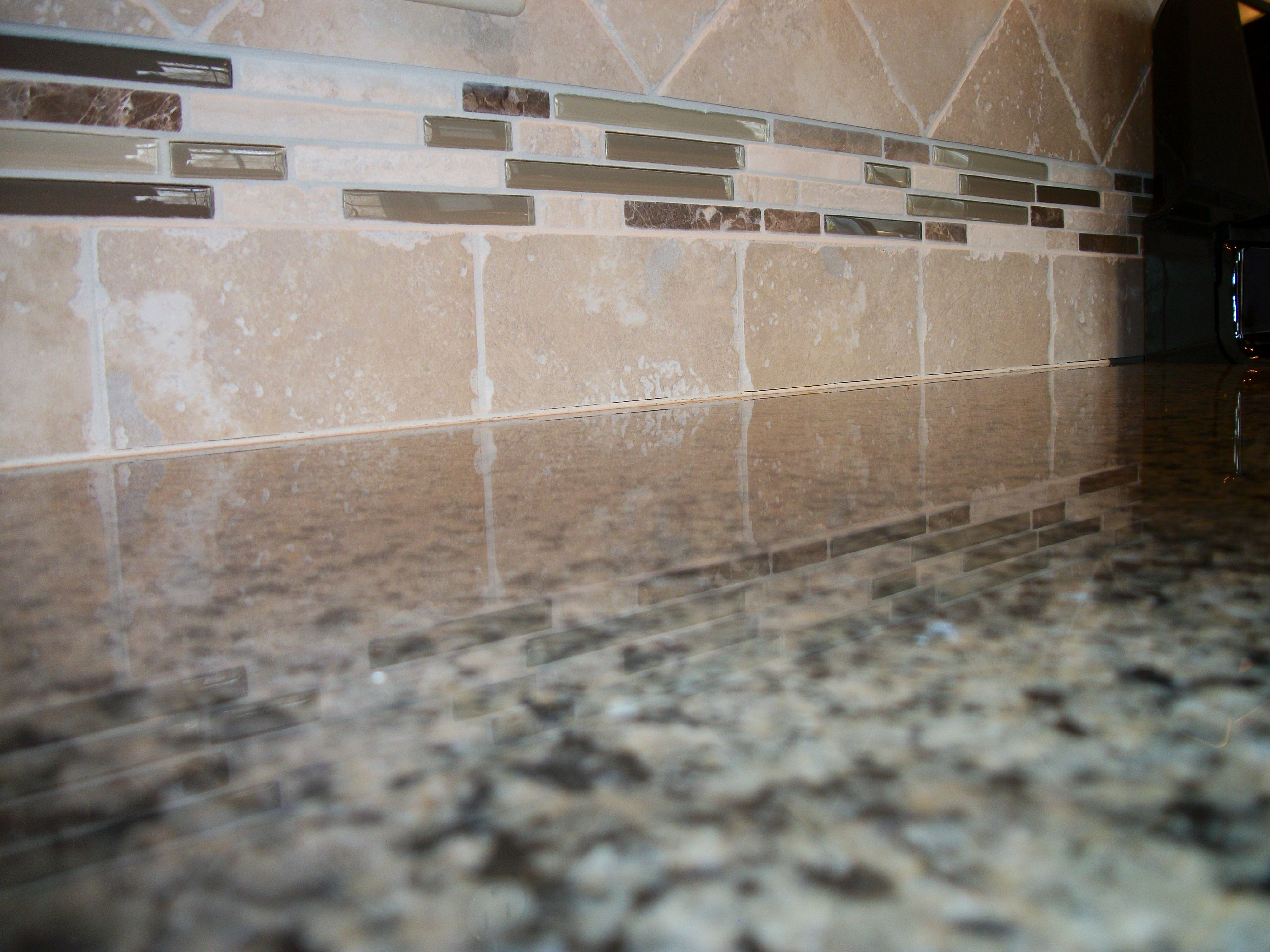 6x6 Graal Tile in SinClair with Bliss Deco Cappuccino