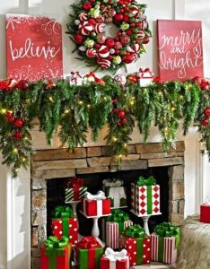 amazing christmas garland decoration ideas to freshen up your home also rh pinterest