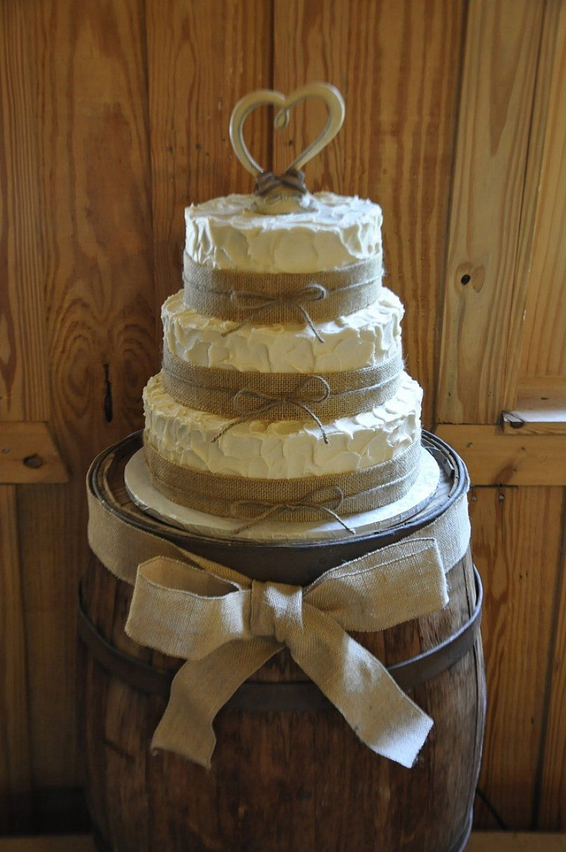 Country Wedding Cakes  Photo Gallery of the Touches of Country Wedding Cake Ideas  wedding