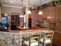 Classy kitchen. Grape decor
