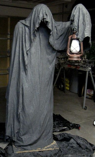 10 Terrifying DIY Props For Your Haunted House Grim Reaper