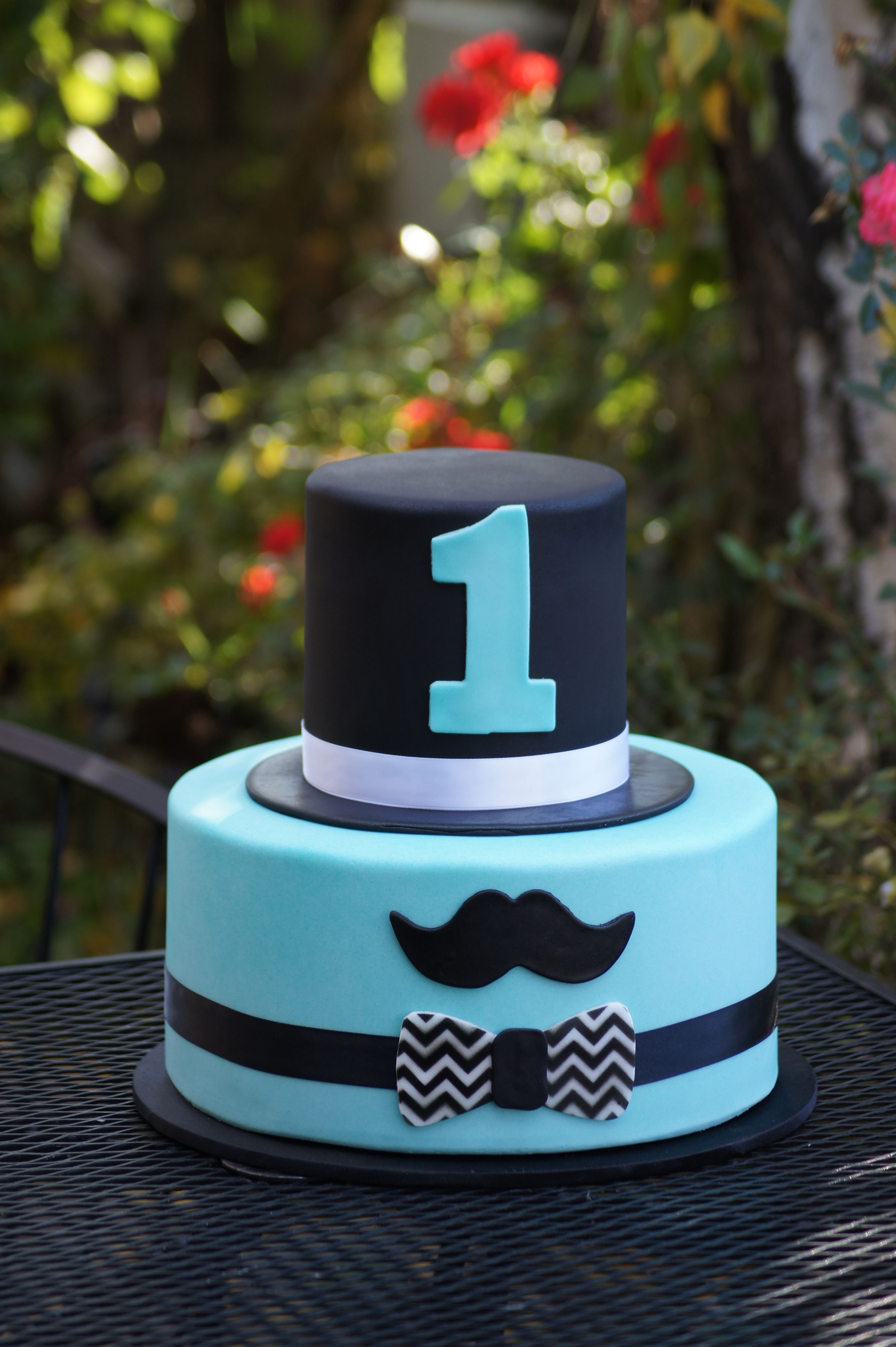 Cute Birthday Cake With Mustache And Top Hat Pasta